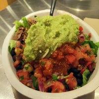 Photo taken at Chipotle Mexican Grill by 🐯 A. on 11/1/2014