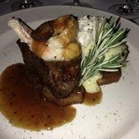 Foto tomada en Pappas Bros. Steakhouse por Lori N. el 2/10/2013