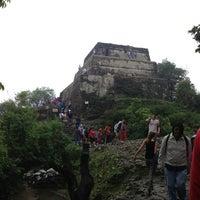 Foto tirada no(a) El Cerro del Tepozteco por Joshua R. em 7/14/2013