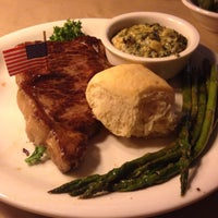 Photo taken at Ted's Montana Grill by Judivelly T. on 5/12/2014