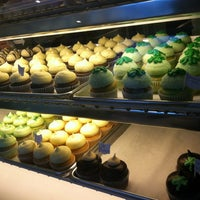 Photo taken at Main Street Cupcakes by Kurt K. on 3/16/2013
