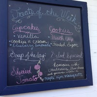 รูปภาพถ่ายที่ Liberty Bakery โดย Nancy W. เมื่อ 6/5/2013