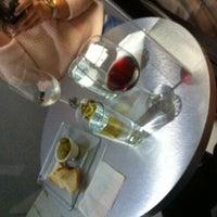 Photo taken at 101 Wine Bar + Boutique by Neto V. on 1/26/2014