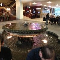 Foto scattata a The Galleria da Sharon N. il 12/2/2012