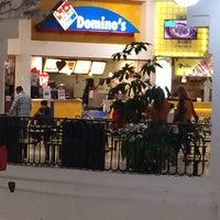Foto tomada en Domino's Pizza Plaza Americas por Francisco E. el 1/31/2014