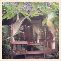 Photo taken at Kampung Daun Culture Gallery & Cafe by Masamu K. on 2/9/2013