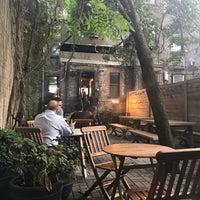 Снимок сделан в Toby's Estate Coffee пользователем Eyal G. 8/22/2018