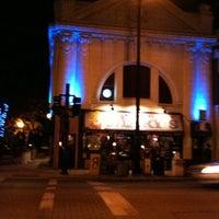 Photo prise au Hamburger Mary's par Robert P. le10/21/2012