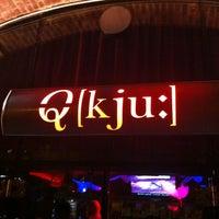 Das Foto wurde bei Q - KJU-Bar von Marius A. am 4/6/2013 aufgenommen