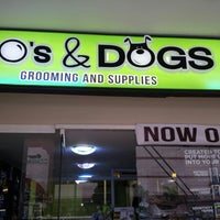 Photo taken at Dos & Dogs by JC A. on 2/9/2014
