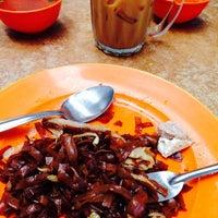 Photo taken at Kedai Kopi Tai Meng by Sylvia E. on 5/1/2014