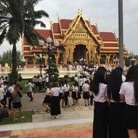 Photo taken at Thai Pavilion by ᴅʀᴇᴀᴍ on 10/17/2016