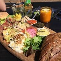 Photo taken at Diner Café Het MauritsHuis by Paulien Z. on 5/6/2018