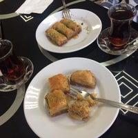Photo taken at Özcan Pastanesi by Mervenur on 3/28/2017