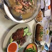 Photo taken at Restoran 9888 (发记海鲜楼) by Canney C. on 2/10/2017