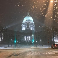 Photo taken at Wisconsin State Capitol by Jason H. on 12/17/2016