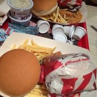 Photo taken at دجاج كنتاكي | KFC by Mohannad B. on 3/24/2014
