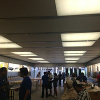 Photo taken at Apple The Falls by Luis T. on 3/22/2013
