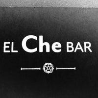 รูปภาพถ่ายที่ El Che Bar โดย Lou P. เมื่อ 8/1/2017