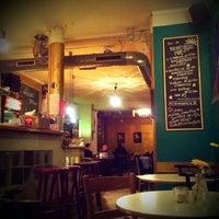 Das Foto wurde bei Café Morgenrot von Nienke F. am 2/24/2013 aufgenommen