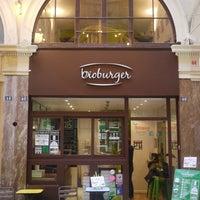 Photo prise au Bioburger par Bioburger Paris le4/13/2015
