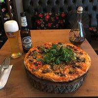9/3/2018 tarihinde Kaan E.ziyaretçi tarafından Zucca Pizza'de çekilen fotoğraf