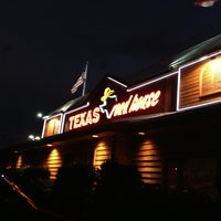 Photo taken at Texas Roadhouse by Erik T. on 8/31/2013