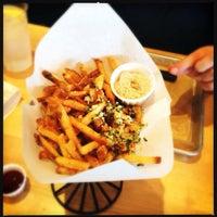 Снимок сделан в Hopdoddy Burger Bar пользователем Chris O. 3/16/2013