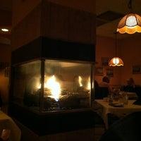 รูปภาพถ่ายที่ Sorrento Italian Restaurant โดย Evelyn T. เมื่อ 2/10/2013