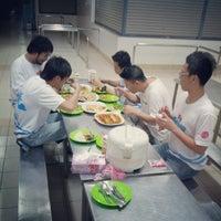 Photo taken at 里卡士乐育华小 by Shaun Y. on 12/30/2012