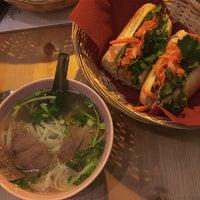 Снимок сделан в Viet Street Food Bistro пользователем Marek M. 2/4/2017