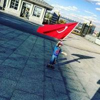 Photo taken at Elele Kafeterya by Deniz A. on 5/25/2017