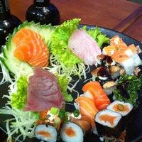 Снимок сделан в Saikou Sushi пользователем Sâmia K. 2/12/2014