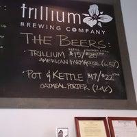 3/29/2013 tarihinde Dave N.ziyaretçi tarafından Trillium Brewing Company'de çekilen fotoğraf