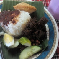Photo taken at Nasi Lemak Maria by Hanisah J. on 8/16/2015