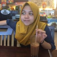 Photo taken at Lekor - Terengganu Malaysian Cuisine by Muhammad A. on 2/13/2016