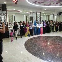 Photo taken at etiler düğün salonu by Özgür K. on 3/8/2014