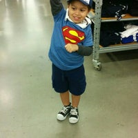 Photo taken at Old Navy by Algenis R. on 9/2/2014