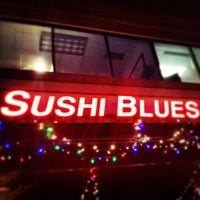Photo prise au Sushi Blues Cafe par Jeremy R. le12/28/2012