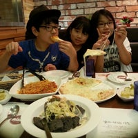 Photo taken at nilli pasta & pizza by Gi-Won C. on 8/12/2013