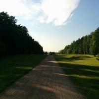 Das Foto wurde bei Мещерский парк von Nik M. am 6/28/2016 aufgenommen