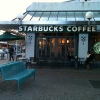 Photo taken at Starbucks by Mignon O. on 7/13/2013