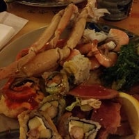 Photo taken at Ginza Japanese Buffet by Claudia r. on 1/17/2016