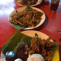 Photo taken at Warung Pak Ali Restaurant by Shameer S. on 1/3/2017