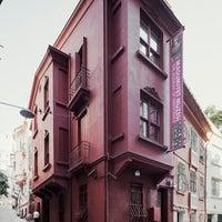 Foto tirada no(a) Masumiyet Müzesi por Masumiyet Müzesi em 1/31/2014