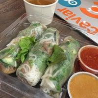 Снимок сделан в Freshroll Vietnamese Rolls & Bowls пользователем Melissa D. 8/4/2015
