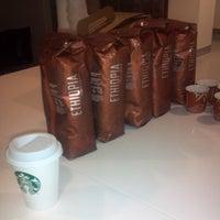 Photo taken at Starbucks by Waddie G. on 9/29/2013