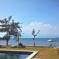 Photo taken at Cocotinos Boutique Beach Resort by Saiful B. on 8/11/2014