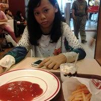 Photo taken at KFC by Susi G. on 6/2/2014