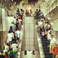 Photo taken at Dhoby Ghaut MRT Interchange (CC1/NE6/NS24) by Jtkv K. on 11/25/2012